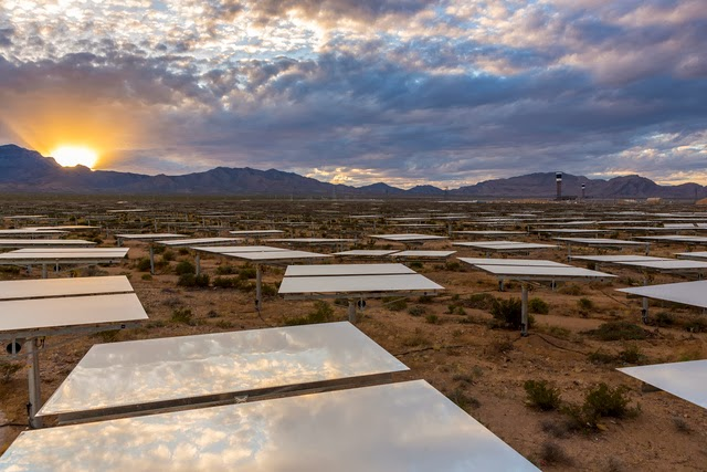The World's Largest Solar Plant Started Creating Electricity Today (4)