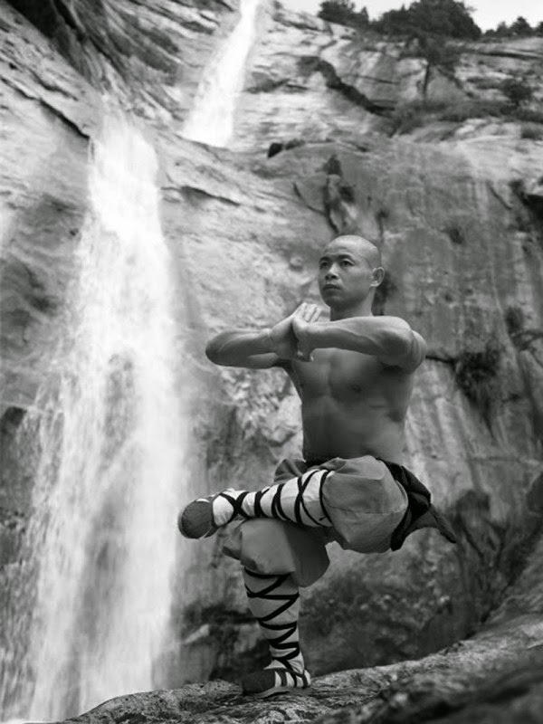 Shaolin Monks Training (18 pictures) (17)