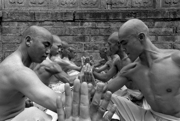 Shaolin Monks Training (18 pictures) (3)