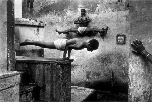 Shaolin Monks Training (18 pictures) (4)